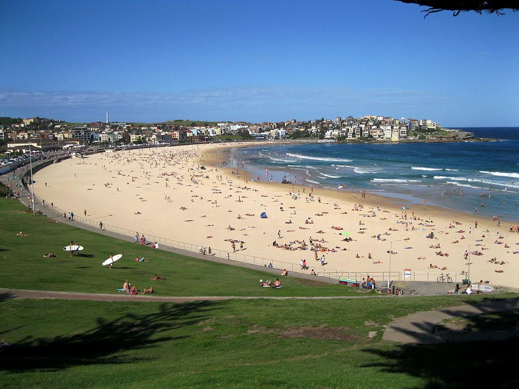 1024px-Bondi_Beach_Sydney_Australia_7